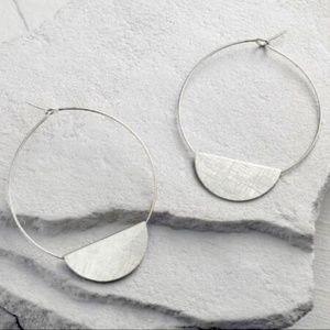 🎄3/$30 New Silver Half Moon Disc Earrings